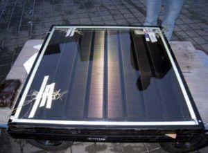 Vetrate con collettori solari termici trasparenti integrati