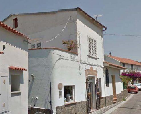 Edificio in Muratura - Via D'Aloisio Località la Rita–Casamicciola Terme Ribaltamento di facciata : Google street view pre-evento