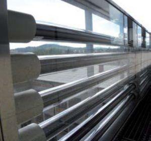 Collettore solare termico a tubi sottovuoto da integrare nella facciata