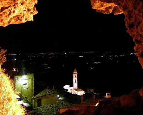Sant'agata, vista di notte
