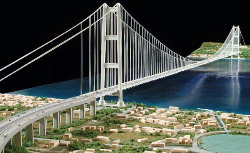 Immagine a colori che mostra il vecchio progetto del ponte sullo Stretto di Messina