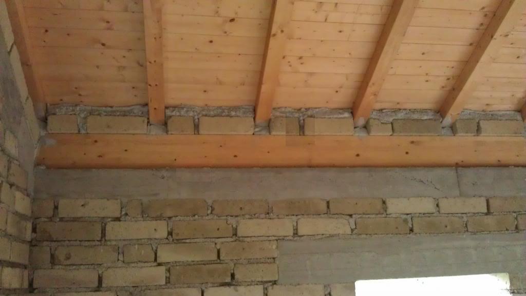 Solaio in legno - particolare appoggio travi/muratura